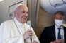 Papa Francisco no voo de regresso após a visita ao Iraque