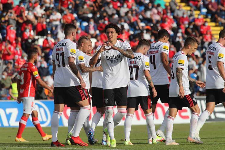Águias golearam (0-5) o Santa Clara e Darwin bisou nos Açores