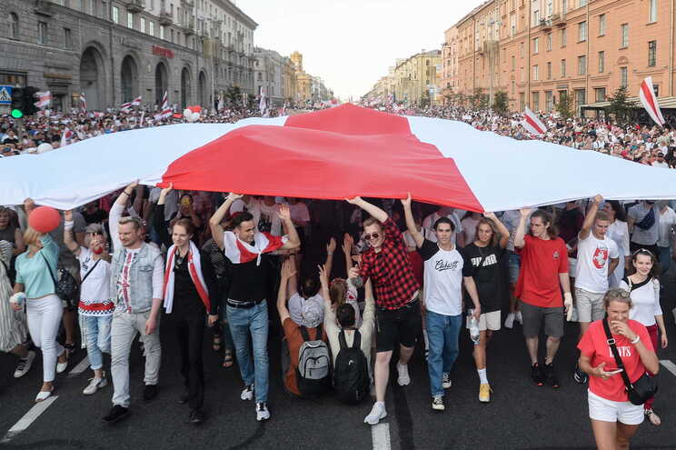 Protestos na Bielorrússia contra a reeleição de Aleksander Lukashenko, que a oposição acusa de fraude
