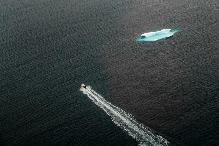 Alterações climáticas vão mudar cor dos oceanos, diz estudo