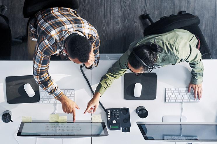 """""""Call centers"""" triplicam faturação mas salários baixam"""
