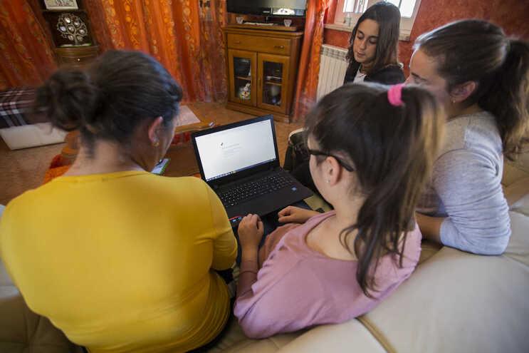 Adoção de um serviço universal permitirá que todos os portugueses tenham acesso à Internet