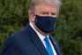 Donald Trump à saída da Casa Branca em direção ao Hospital Militar Walter Reed