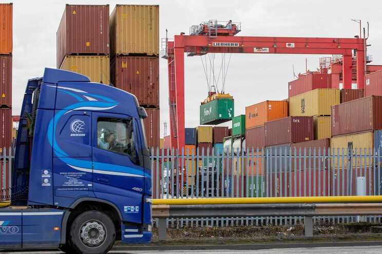 Processo de exportação para a UE que antes costumava levar três horas agora leva cinco dias
