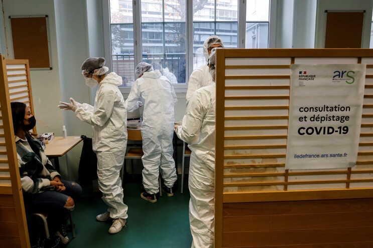 Desde o início da pandemia, a França já registou 2.170.097 infetados e 50.618 mortes devido ao novo coronavírus