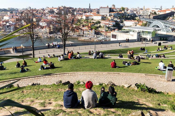 Portugueses não chegam para sustentar o turismo