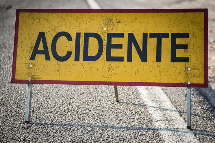 Condutor de motociclo morre em despiste em Monção