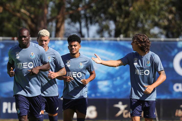 Só falta Otávio na foto, que junta quatro dos marcadores dos golos do F. C. Porto: Aboubakar, Uribe