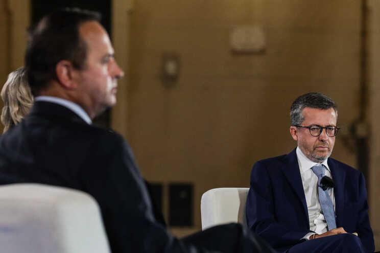 """Medina considera """"má proposta"""" baixar impostos. Moedas quer devolver 32 milhões aos lisboetas"""
