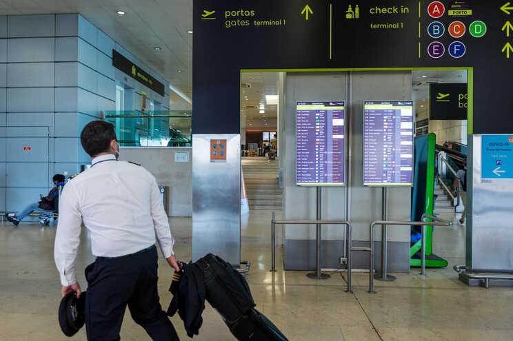 A ANA alertou para a possibilidade de tempos de espera mais elevados nos aeroportos a partir de sábado