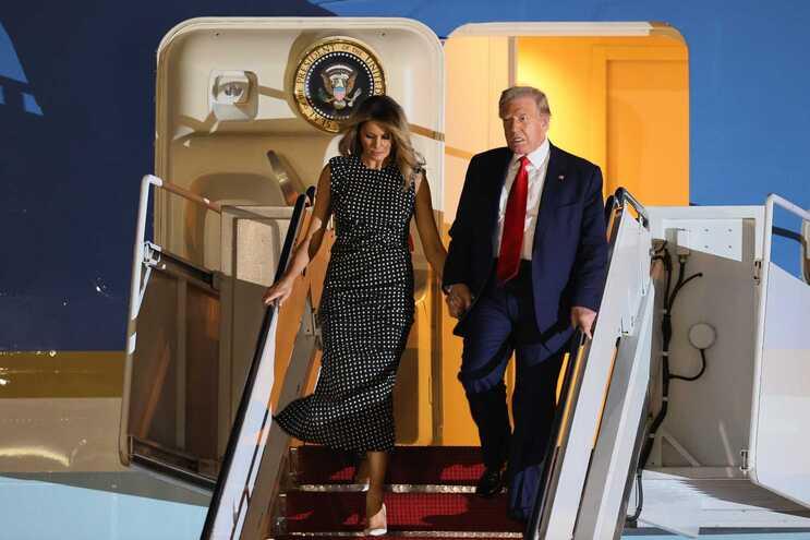 Trump e Melania na chegada à Florida