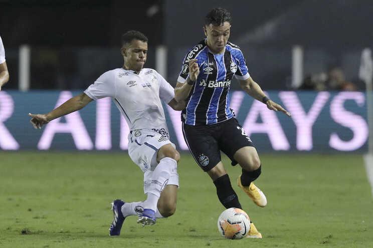 Brasileiros garantem que F. C. Porto encaminhou contratação de Pepê