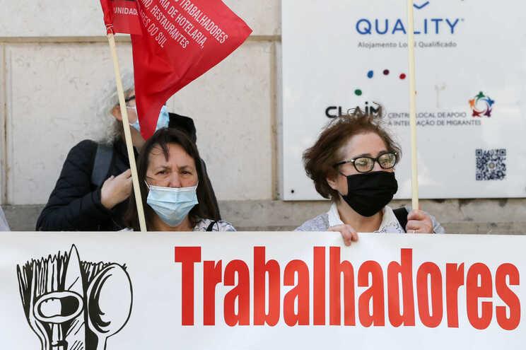 """Sindicatos pedem mais fiscalização para diminuir """"discriminação"""" laboral"""