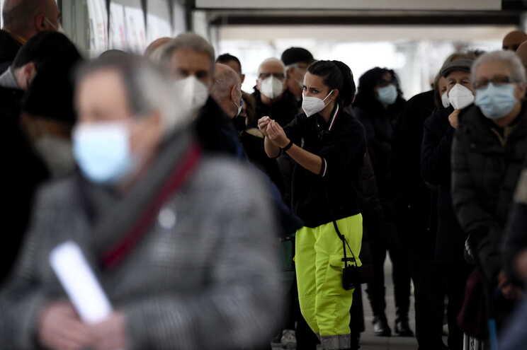 A campanha de vacinação em Itália prossegue e um total de 3.593.223 pessoas já foram inoculadas com as