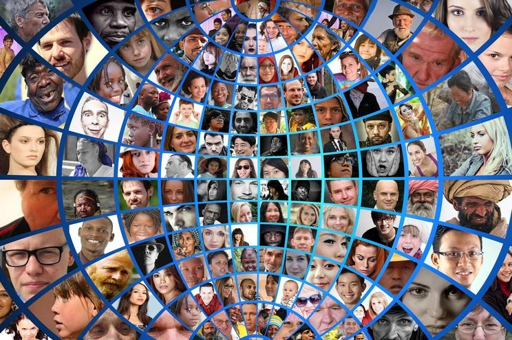 Mobilidade, consumo, trabalho ou entretenimento estão a atravessar grandes revoluções à conta da Inteligência