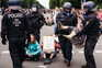 Detidas 500 pessoas em protesto contra medidas anti-pandemia em Berlim
