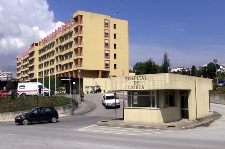 hospital de leiria (dig)   13.05.2001   © leonardo negr‹o