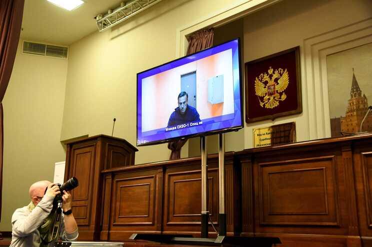 Navalny foi detido na chegada à Rússia