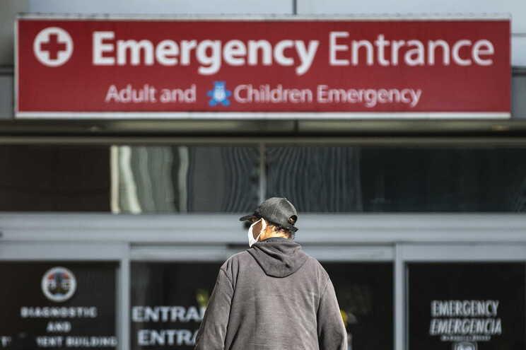 EUA com mais de 375 mil mortos desde o início da pandemia