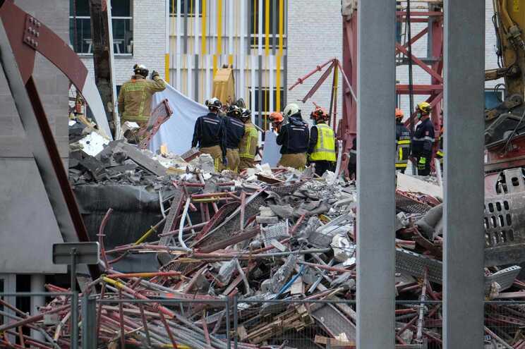 Governo confirmou morte de quatro portugueses e falou com ferido internado em Antuérpia