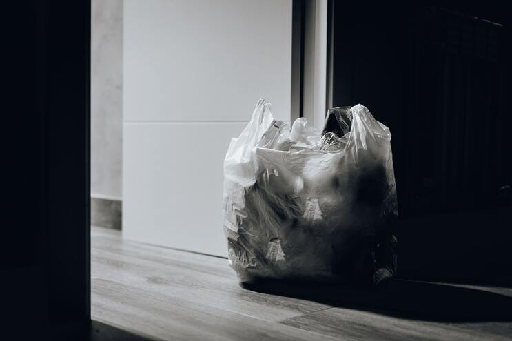 Taxa sobre os sacos de plástico rendeu 15,3 mil euros
