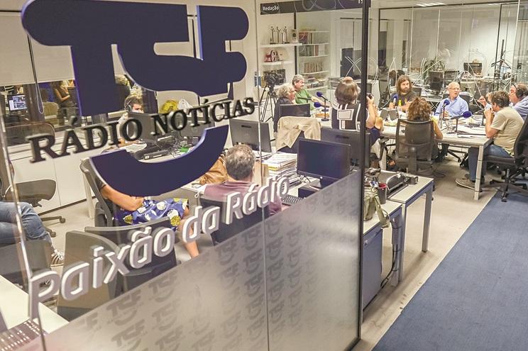 Histórias em antena, hard news, mais reportagem e maior leitura da atualidade