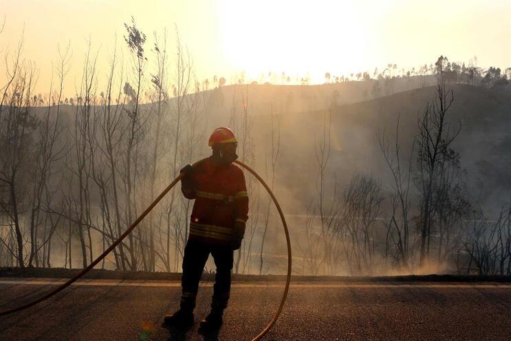 17 concelhos de norte a sul do país em risco máximo de incêndio