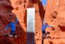 """Aventureiros encontram """"monólito"""" misterioso no deserto do Utah"""