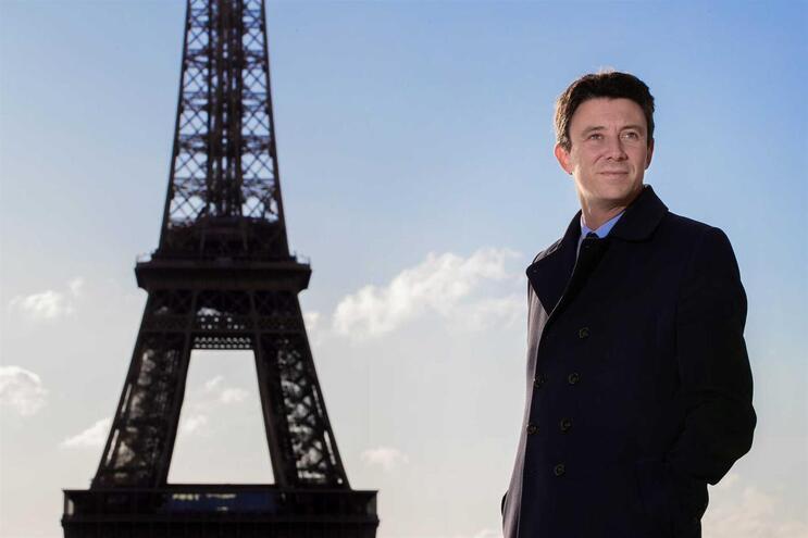 Candidato à autarquia de Paris Benjamin Griveaux retirou-se da corrida
