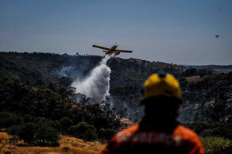 O incêndio afetou uma área estimada de 6700 hectares
