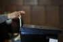 Sem a possibilidade do voto por correspondência, as eleições decorrem em França com menos informação