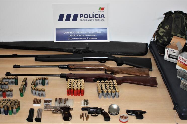 PSP apreende armas e detém cinco suspeitos investigados por tiroteios na via pública