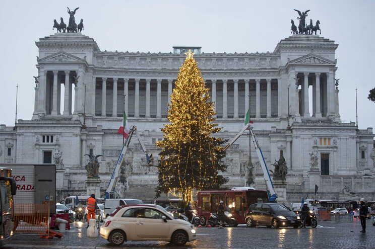 Decoração natalícia da via pública em Roma