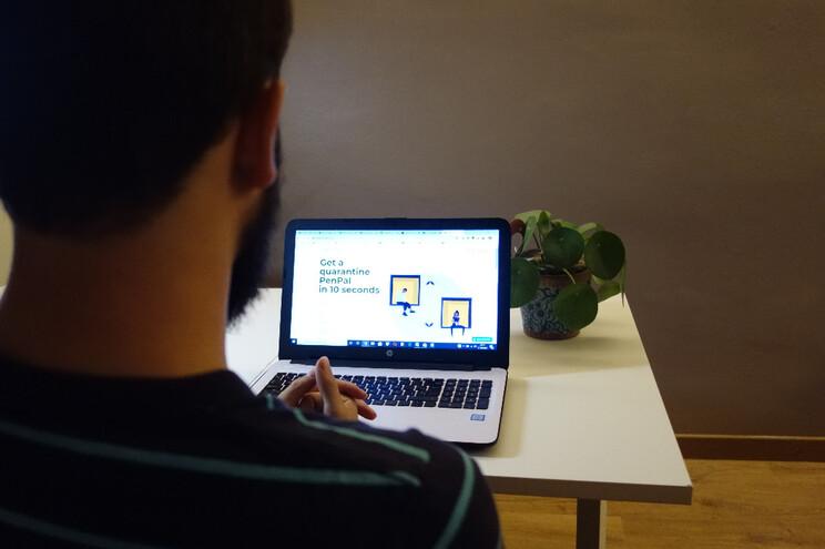 Adrià Ballester criou uma plataforma de conversas, que já conta com mais de 2000 inscritos de 53 países