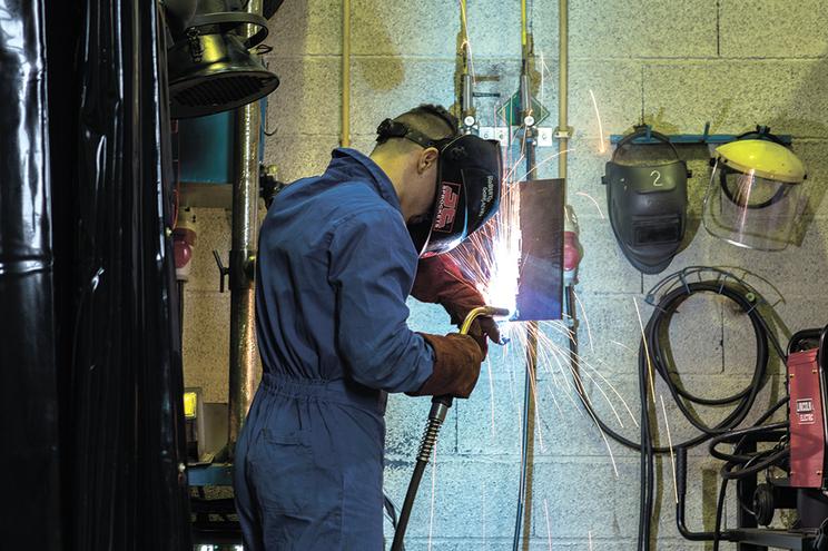 Formação e estágios são componentes do programa Ativar.pt, que visa a inserção laboral