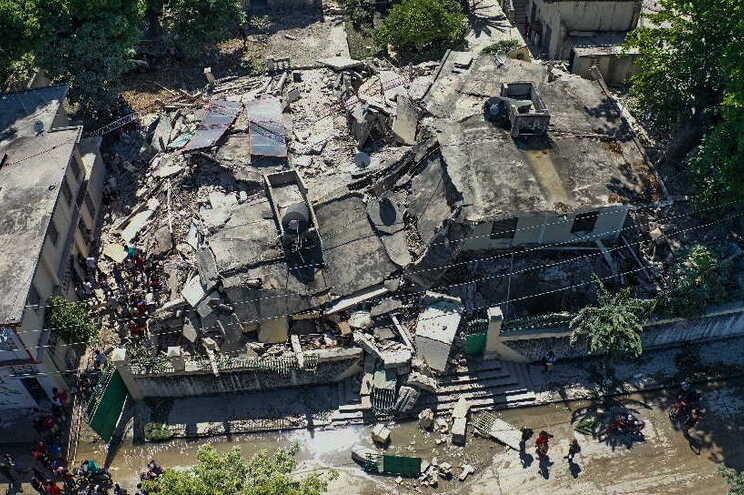Pelo menos 1297 mortos no terramoto no Haiti