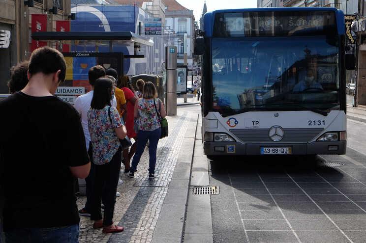 Autocarros da STCP servem seis concelhos do Grande Porto
