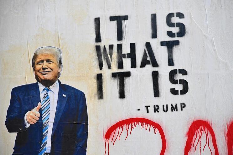 """""""É o que é"""", disse Trump, falando sobre as consequências da pandemia"""