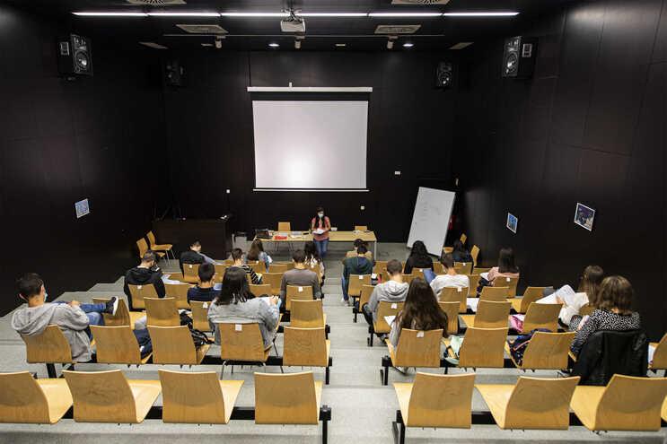 PS e PSD chumbam redução de alunos por turma