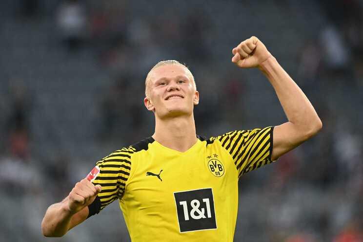 Haaland já leva nove golos em sete jogos pelo Dortmund esta época
