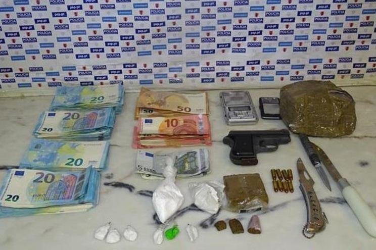 PSP faz detenção e apreende dinheiro, droga e armas em Beja