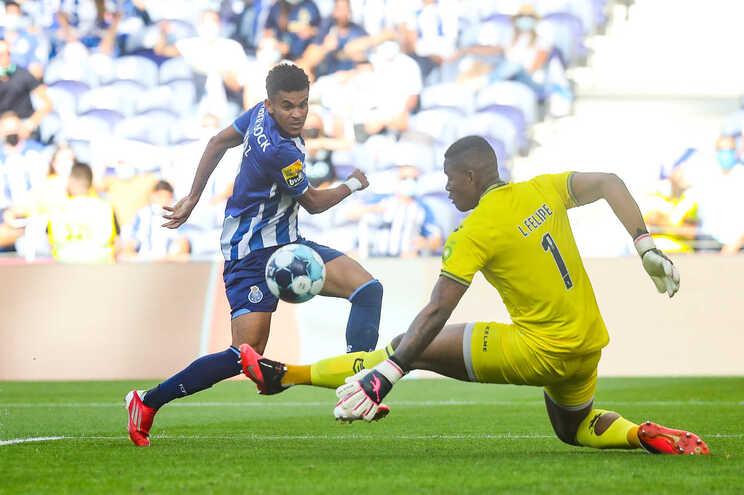 Luis Díaz e Uribe são peças fundamentais no onze de Sérgio Conceição e podem desfalcar a equipa em Alvalade