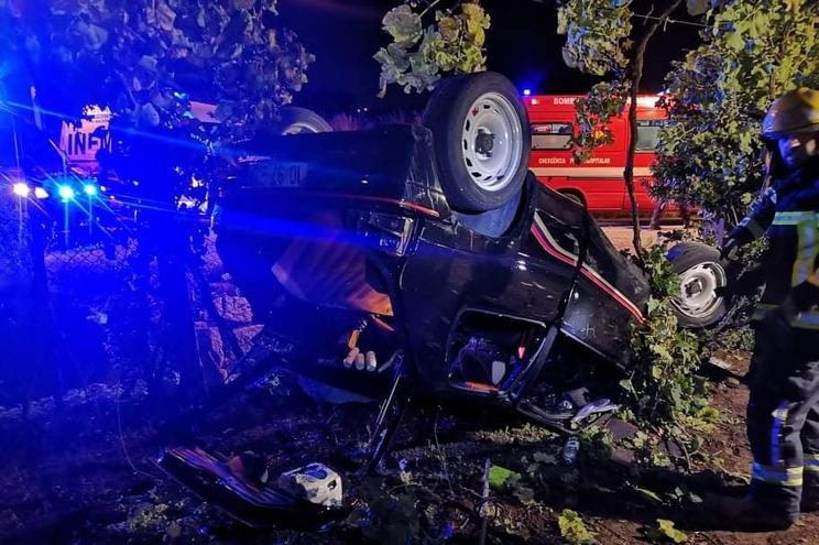 Veículo capotou após despiste