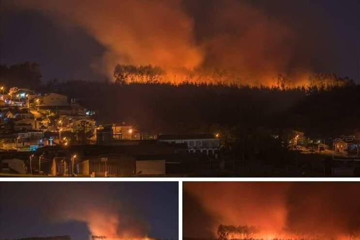 Combateram as chamas 20 operacionais, apoiados por seis viaturas, dos bombeiros voluntários da Trofa