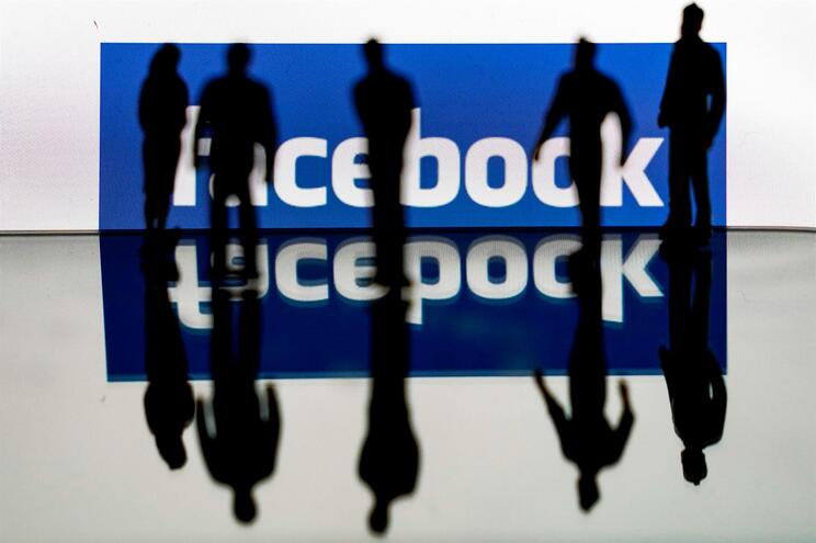 A Facebook está na lista de empresas que vai manter os funcionários em teletrabalho de forma permanente