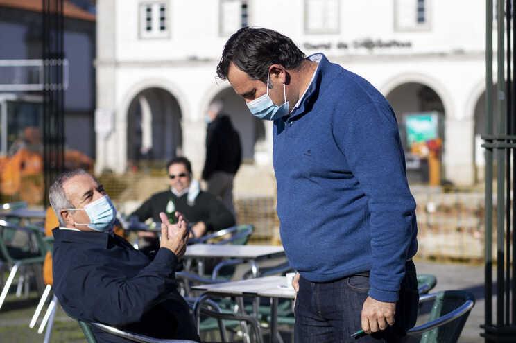Pneumologistas defendem uso obrigatório de máscaras cirúrgicas