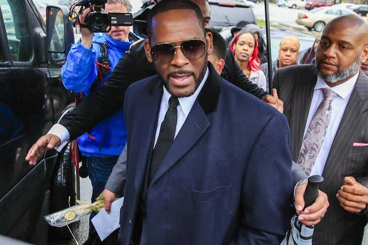 R. Kelly já tinha sido detido em Chicago em 2019