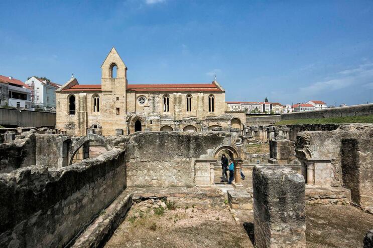 Arranque das obras de conservação do Mosteiro de Santa Clara-a-Velha, em Coimbra, contou com a presença
