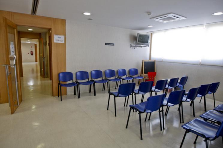 Falta material básico de apoio a consultas nas Unidades de Saúde Familiar