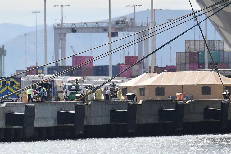 Autoridades estão a preparar quarentena de passageiros e tripulantes